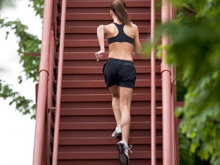 How to lose weight fast with exercise - Climbing the stairs