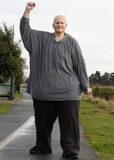 Having lost two-thirds of his body weight, Paul is now able to go out and start a short distance. Photo: The Sun